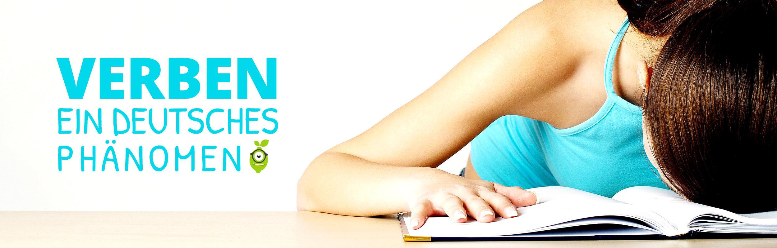 Studentin beim lernen der Satzglieder